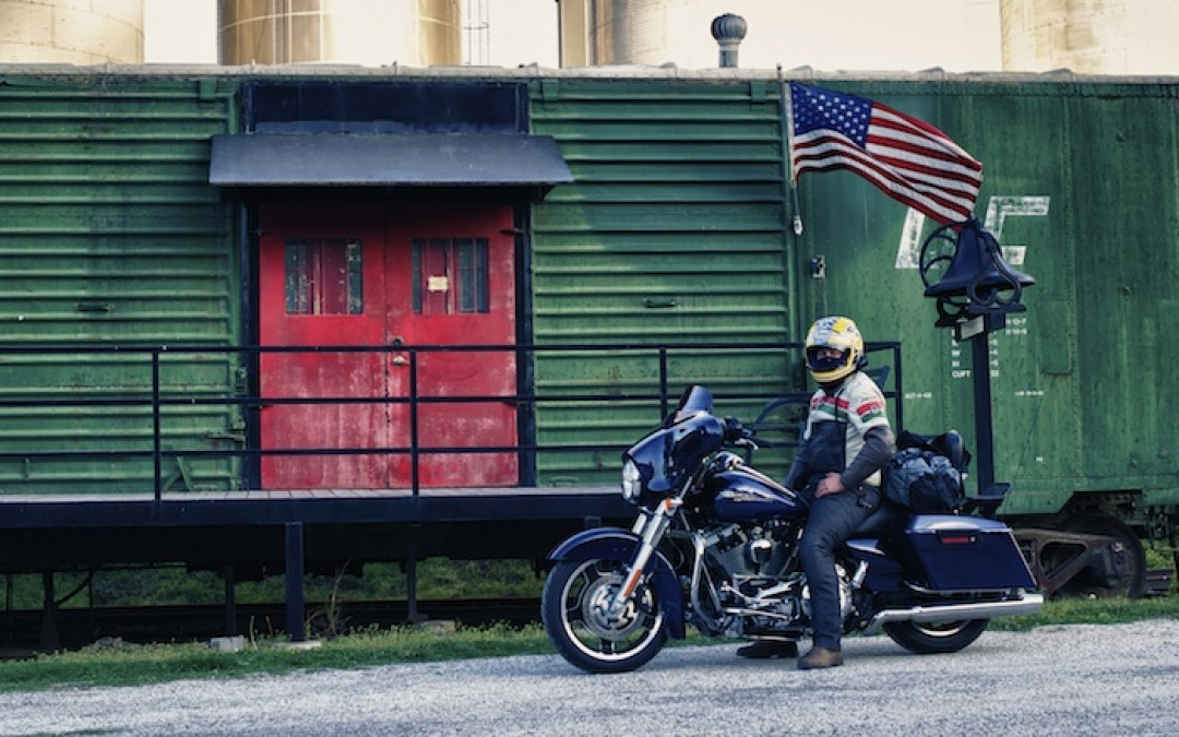 Tips For Riding A Motorcycle Safely in America